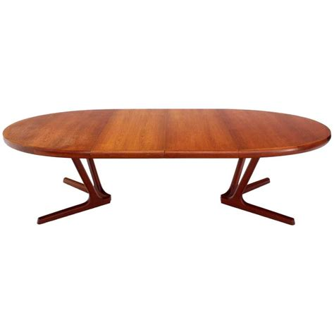 Karlsen Swivel Glider Recliner Oval Modern Dining Table Oval Modern Dining Table At 1stdibs Modern Teak Oval Dining Table At