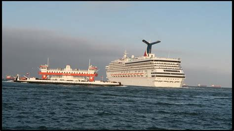 triumph boats youtube carnival triumph crashes into tug boat vlog 117 youtube