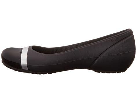 Sepatu Crocs Cap Toe Flat crocs cap toe mirror babd flat black black zappos