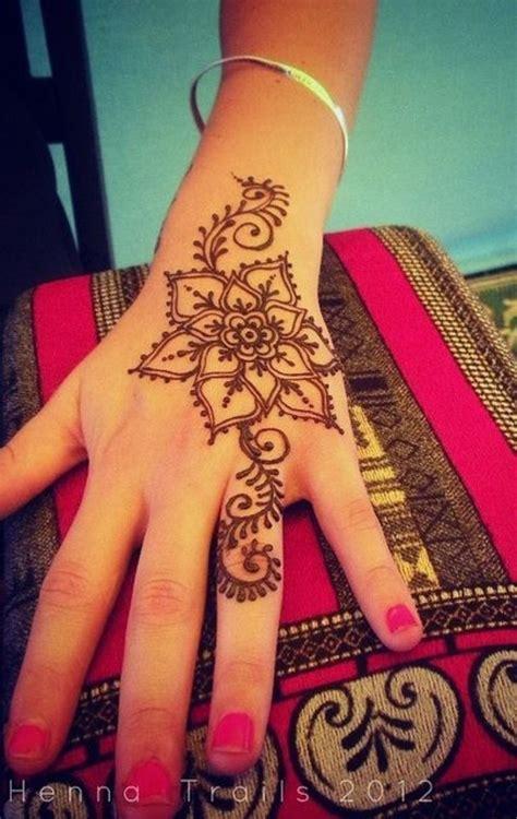 cute henna tattoos 25 best ideas about henna designs on