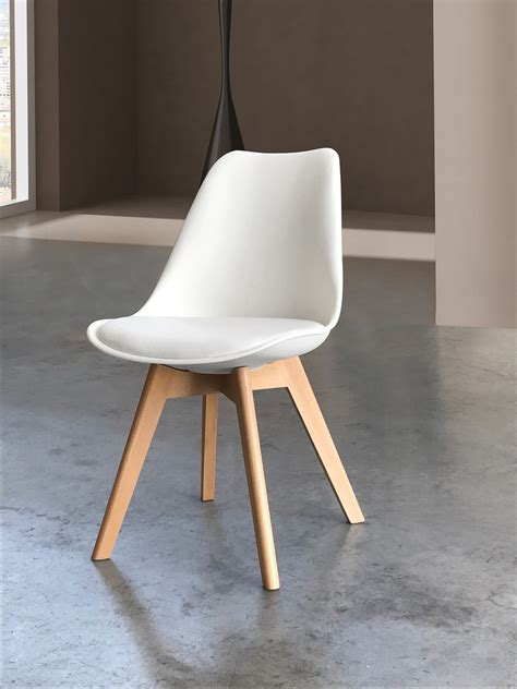 le sedie sedia con fondino imbottito e gambe in legno