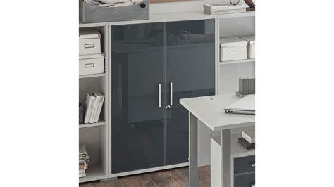 office schrank schrank office halbhoch lichtgrau wei 223 glas graphit