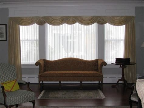 Traditional Living Room Window Treatments Custom Window Treatments Traditional Living Room