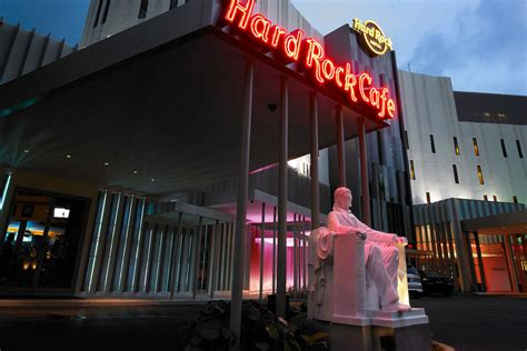 theme hotel in penang 10 reasons to stay at hard rock hotel penang rock roll