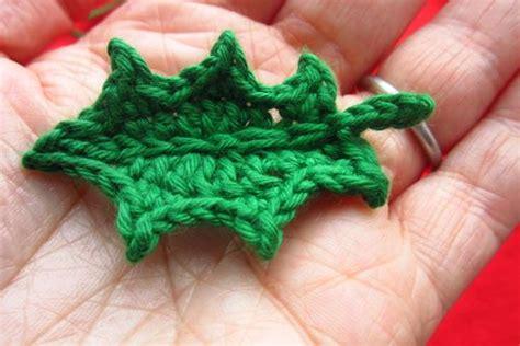 holly leaf pattern knitting attic24 jolly holly