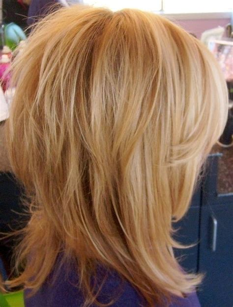 hairstyles with lots of crown layers best 25 medium layered hairstyles ideas on pinterest