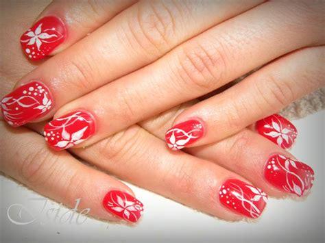 fiori unghie gel 17 migliori idee su unghie in gel rosso su