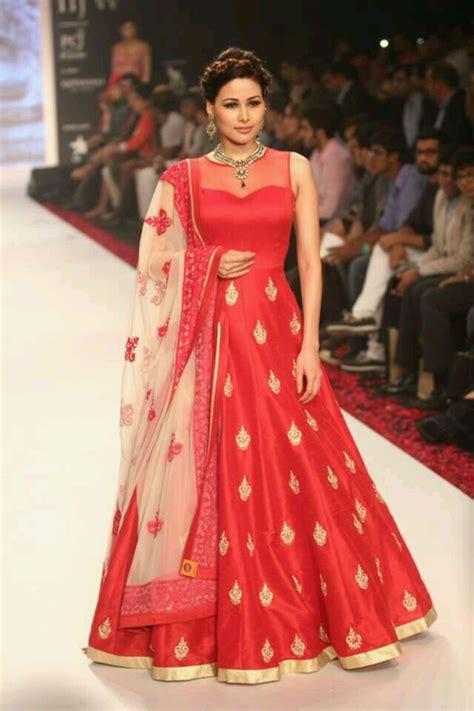 10 Designer Dresses by 10 Designer Silk Dresses For Indian Weddings
