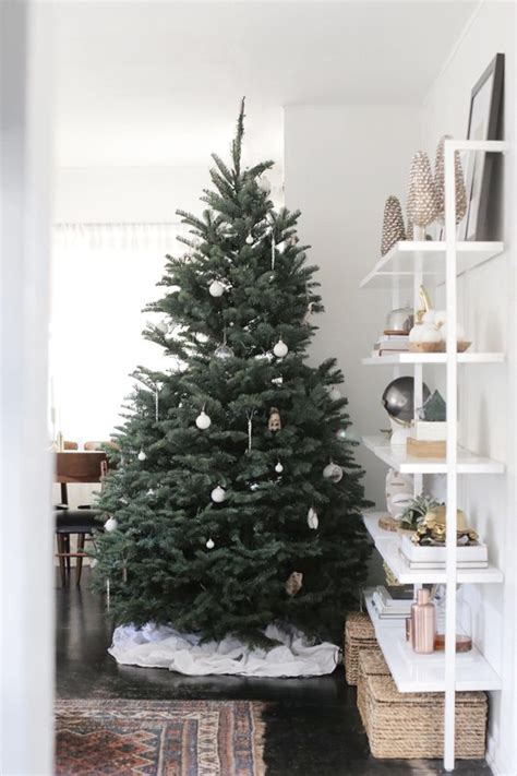 innovative christmas trees 41 chic modern d 233 cor ideas digsdigs