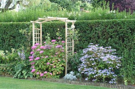 Comment Faire Un Jardin Fleuri by Id 233 E De Jardin Cr 233 Er Une Haie Fleurie Et Parfum 233 E