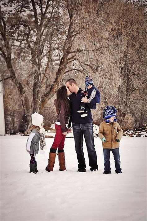 Family Photos Outside Winter