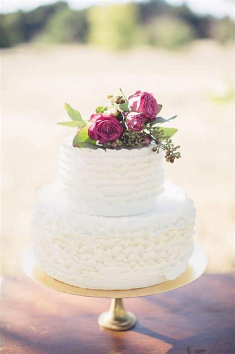 Simple Vintage Wedding Cake Ideas by Vintage Wedding Ideas
