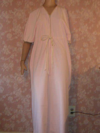 Velour Vanity by Pink Velour Vintage Vanity Fair Zip Lounge Robe S M