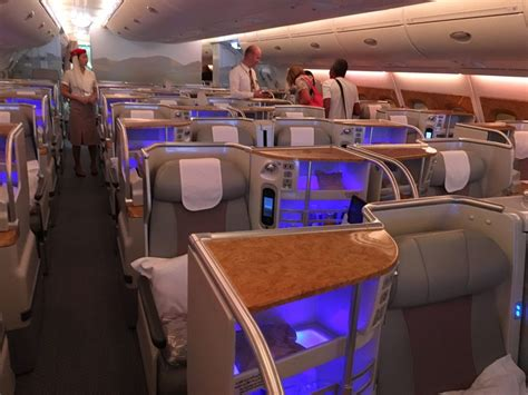 a380 kabine review emirates business class airbus a380 brisbane nach