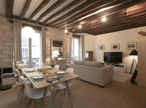 illuminazione soffitto legno travi legno soffitto bianco illuminazione moderna travi
