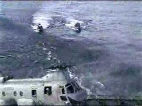navy boat crash us navy ch 46 sea knight crashes while landing on usns