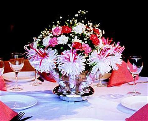 wanderful centerpieces with built in favors for every