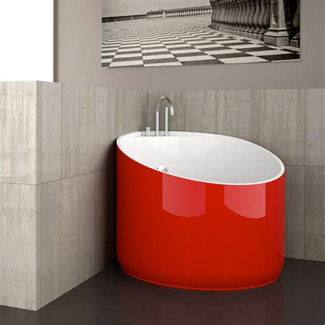 Tiny Bathtubs cool mini bathtub of fiberglass for small spaces digsdigs