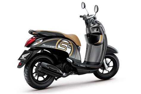 Honda New Scoopy new honda scoopy fi terlihat lebih elegan sobatmotor
