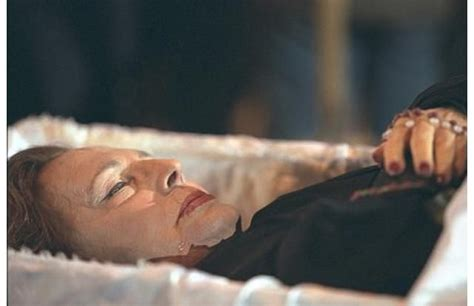dead celebrities in open caskets 17 best images about iconic death photos on pinterest