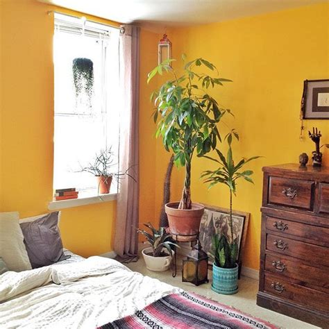 Bedrooms Painted Yellow by Loving The Mustard Yellow Living Room