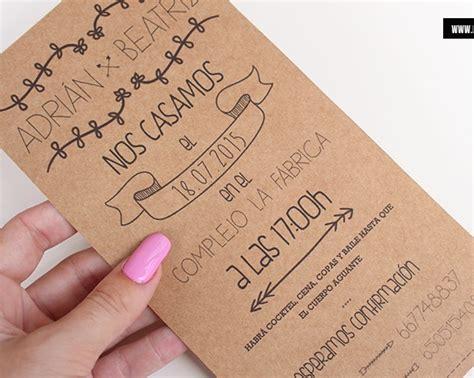 invitaci 243 n de boda en tres papeles distintos digitalpapel invitaciones para graduacion de material reciclado invitaci 243 n kraft alargada la tienda de eje360