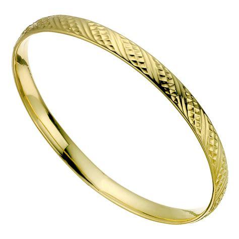 9ct Yellow Gold Textured Bangle   H.Samuel