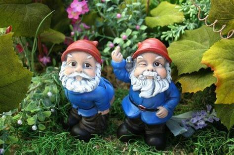 garden gnome flipping  bird concrete rude gnome statues