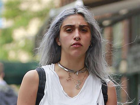 web lourdes filha de madonna lourdes pintou o cabelo de cinza