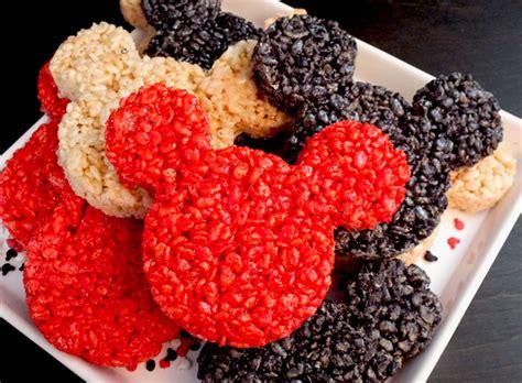 Cutter Huruf Disney mickey mouse rice krispie treats two