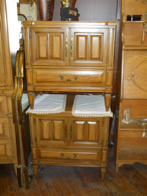 1960s Bedroom Furniture 1960 S Bedroom Set By Continental Vanleigh For Sale Antiques Classifieds