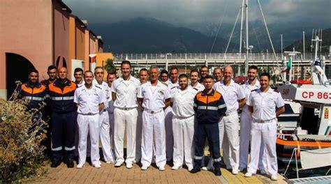 capitaneria di porto genova ufficio gente di mare guardia costiera l ammiraglio pettorino visita