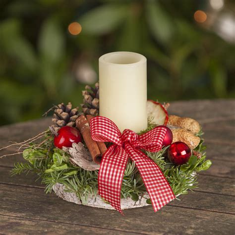 weihnachten in einer berghütte missbellflower nat 252 rliche floristik 187 adventsgesteck mit