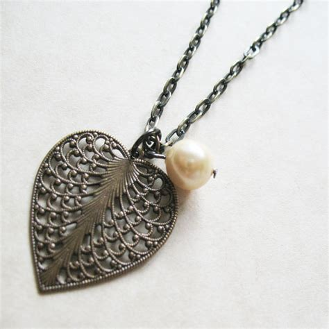 heart leaf filigree necklace heart and pearl necklace