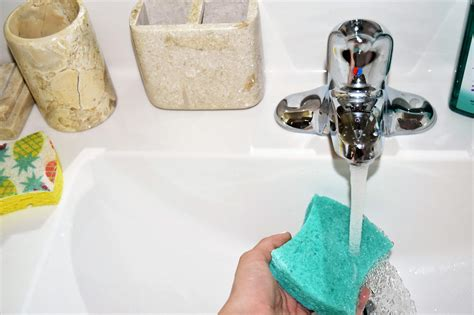 Keep Bathroom Counter Clean 5 Easy Things You Can Do Daily To Keep Your House