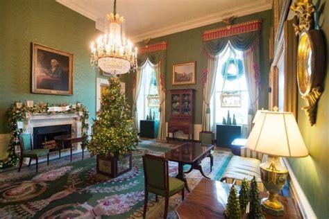 weihnachtsdekoration weisses haus 2017 so sieht die diesj 228 hrige weihnachtsdekoration im wei 223 en