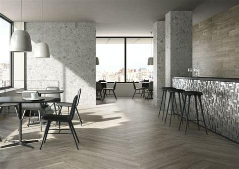 pavimenti in finto parquet foto pavimento ceramica in finto parquet di superfici