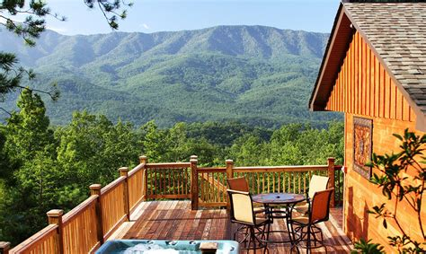 Luxury Cabins In Gatlinburg Tennessee by Awesome Gatlinburg Cabin Rentals A Luxury View Throughout