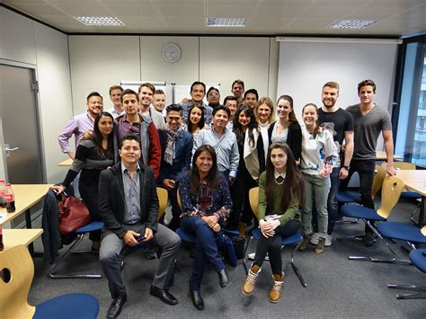 Mba Student Loans South Africa by Mba Students From Ecuador Visit Mbs Mbs Insights