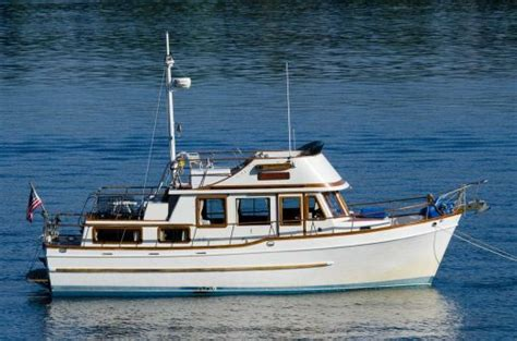 browse trawler boats  sale