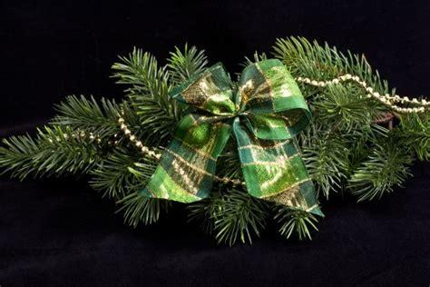 edle schleifen f 252 r den weihnachtsbaum christbaumkugeln