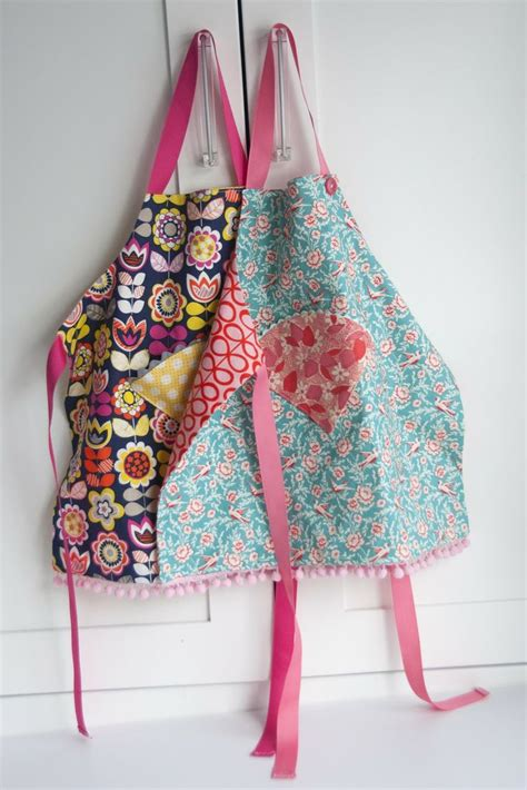 pattern for youth apron 25 best ideas about childrens aprons on pinterest kids