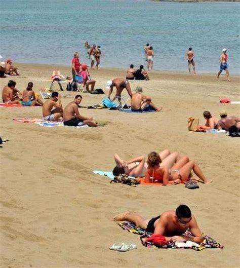 este verano cuidado con las piscinas 40 minutos en una piscina consejos para tomar el sol con cabeza y sin miedo