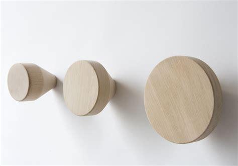 wandhaken holz rund clou wandhaken 216 12 cm holzfarben by enostudio made