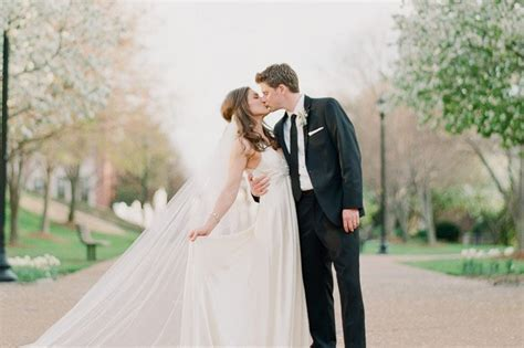 Reasons Why It Is Best To Take Wedding Photos Before The