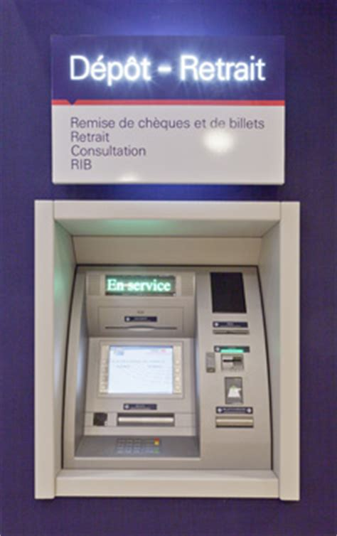 bank la poste op 233 rations sur les distributeurs d 233 p 244 t retrait hsbc