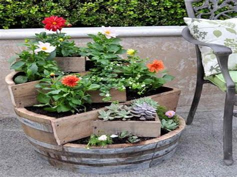 Plant Pot Ideas For The Patio by Accessories Gardening Flower Pots Decoration Ideas With
