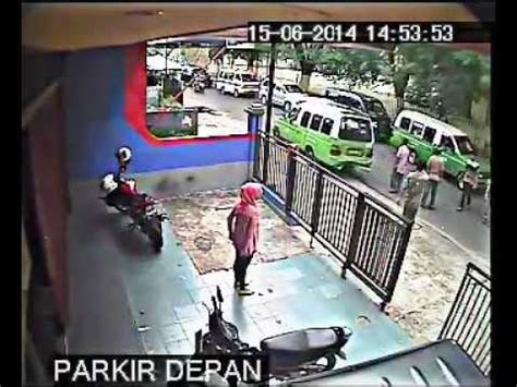 Alarm Motor Di Palembang kecelakaan motor vs angkot di palembang