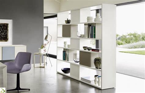 librerie a giorno moderne pareti attrezzate librerie per separare ambienti