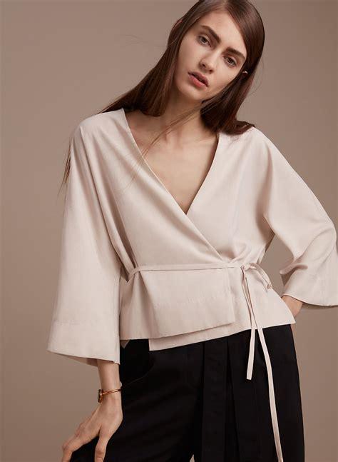 Elaine Blouse 1 01 babaton elaine blouse aritzia